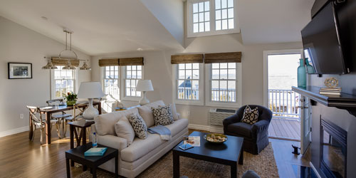 Deluxe Terrace Living Area 500x250 - Watch Hill Inn - Westerly, RI