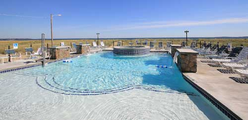 Outdoor Pool - Waves Oceanfront Resort - Old Orchard Beach, ME