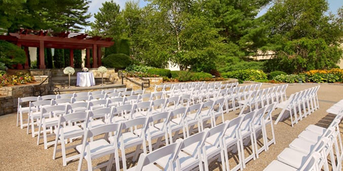 Outdoor Wedding 500x250 - Doubletree Boston Bedford Glen - Bedford, MA