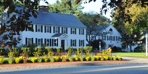 Publick House Historic Inn On the Common Exterior Sturbridge MA