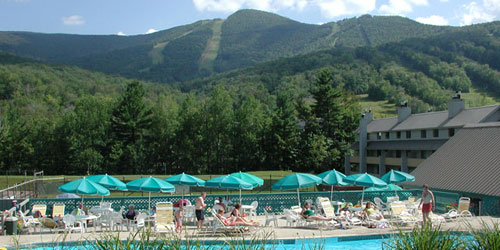 Outdoor Pool & Mountain View - Village of Loon Mountain - Lincoln, NH