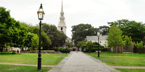 Trinity Church in Newport – Colonial New England