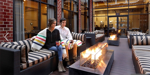 Lounge Firepit Couple - Hilton Mystic - Mystic, CT