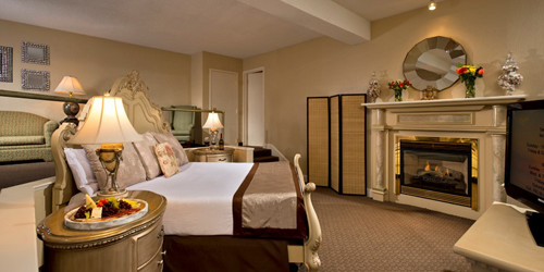 Chatham Suite - Cape Codder Resort & Spa - Hyannis, MA