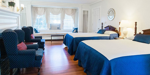 Double Bed - ShoreWay Acres Inn - Falmouth, MA